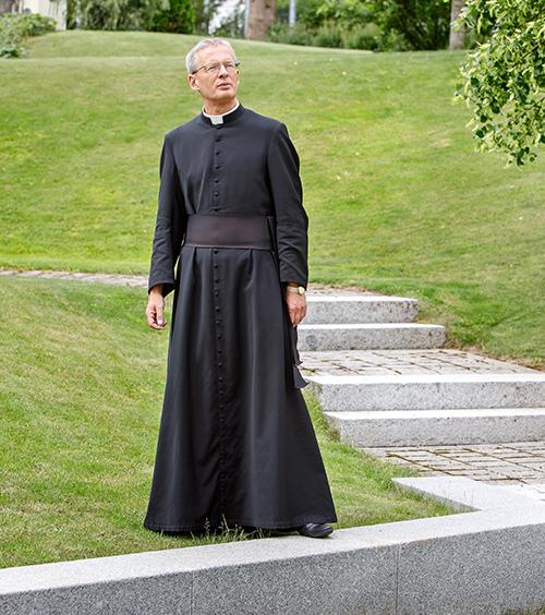 Pater Kaldenbach im Garten